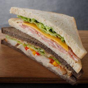 ハムチーズ&グレイビーチキンサンドイッチ