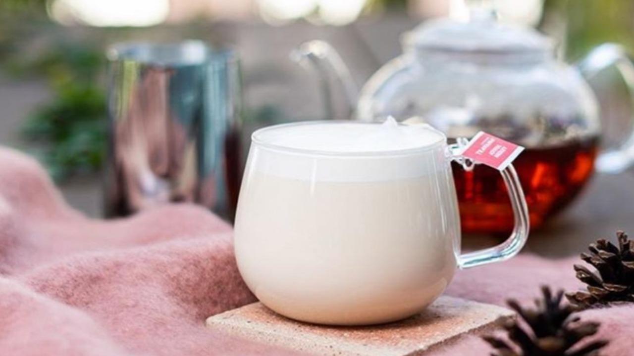 スタバ冬限定ジョイフルメドレーはいつから?茶葉の味やカスタム・口コミは?