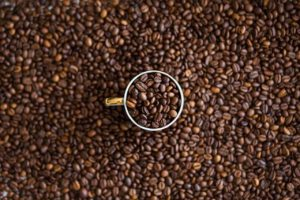 スタバのアイスコーヒーに使用される豆は約7種類と少ない