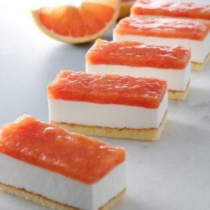 ピンググレープフルーツ&ヨーグルトケーキ